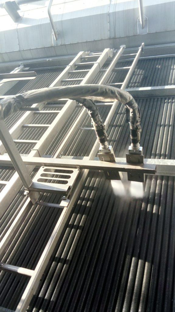 Bild: Die Spezialdüsen des Systems JetMaster AS in der halbautomatisierten Grundreinigungsfunktion