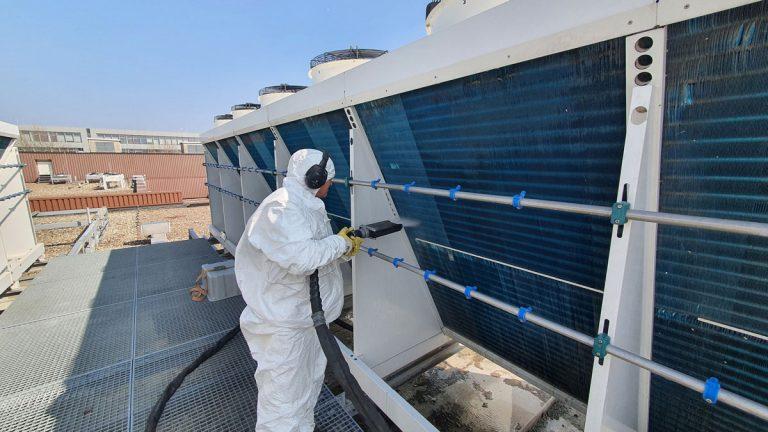 Reinigung von Hybridkühlern