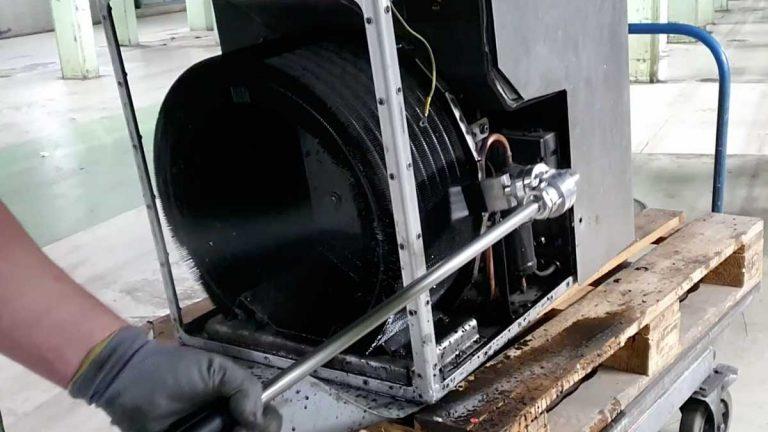 Reinigung der Klimaanlage aus einem ICE