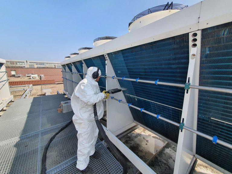 Reinigung eines Kühlers mit dem JetMaster-Verfahren
